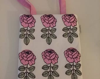 Mini Tote Bag made of VIHKIRUUSU Marimekko tillukka pink roses