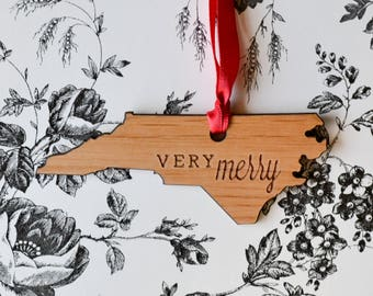 North Carolina State Wood Ornament - Very Merry - Engraved