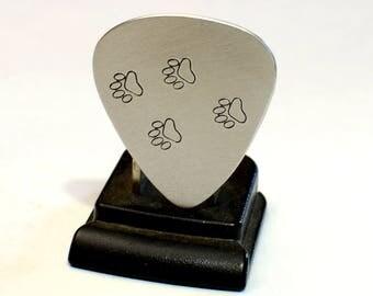 Paw Guitar Pick in Aluminum to Awaken your Wild Side and Animal Spirits - GP3091