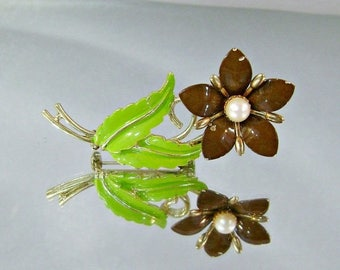 SALE Vintage Flower Brooch.  Genuine Pearl.  Brown and Green