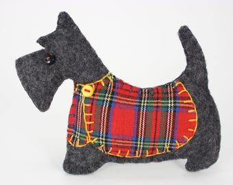 Scottie dog Christmas ornament, Felt dog ornament, Scottie dog ornament, Dog Christmas Ornament, Handmade Scottish terrier, Tartan, Dougal.