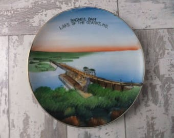 Vintage Hand Painted Plate Bagnell Dam Lake of the Ozarks MO Missouri Decorative Souvenir Collector Nov. Co. Japan Sticker