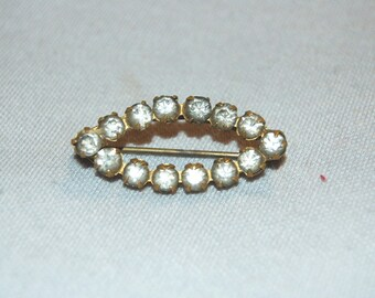 Antique Victorian C Clasp Brooch / Clear Rhinestone  / Old jewelry