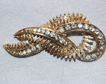 Large Rhinestone Brooch, Gold Tone, Vintage old jewelry