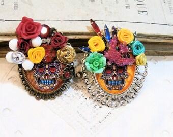made to order, halloween skull, handpainted, mix media, pendant skull, frida khalo