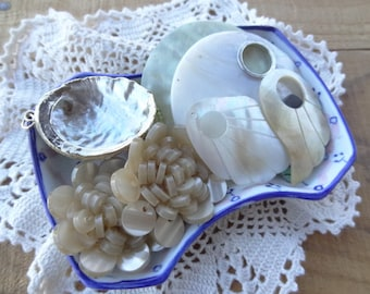 Vintage jewelry lot - Sea Jewelry - Nautical - Gold Dipped Shell - Shell Findings - Charms - Sea Jewelry - D240