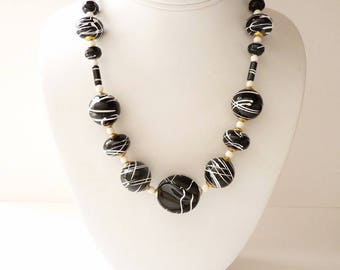 NEW  Vintage Black and White Necklace 18 Inch Bead Necklace With White and Gold Accents