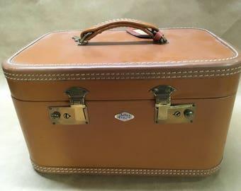 Train Case by Beller--1940s--1950s Luggage with Original Keys--Vintage Travel--Display--Photo or Play Prop--Storage