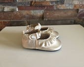 Soft Sole Baby Shoes Ruffled Mary Jane In Light Gold Platinum Champagne Metallic Leather