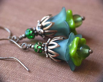 Forest Green Lucite Flower Earrings in Antiqued Copper