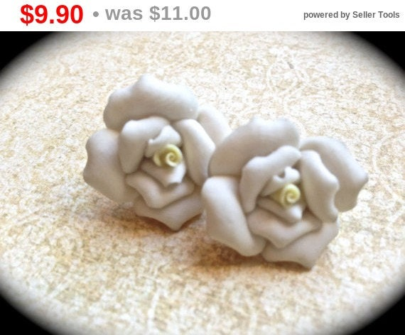 Summer Sale White rose earrings: polymer clay rose earrings, rose earrings, polymer clay floral earrings , white roses