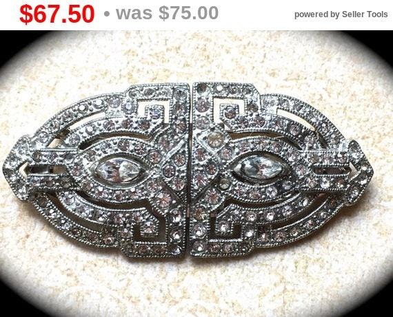Summer Sale Large Brooch Clip-Wedding Sash pin-Rhinestone Brooch- Vintage Designer Jewelry- Estate Brooch- Clear Rhinestone Brooch Pin Cl...