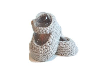 Mary Jane Knitted Baby Shoes in Silver Merino Wool