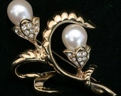 Monet Faux Pearl Flower Pin Rhinestone Floral Spray Gold Tone Brooch Figural Botanical Jewelry Vintage Bridal Style 318