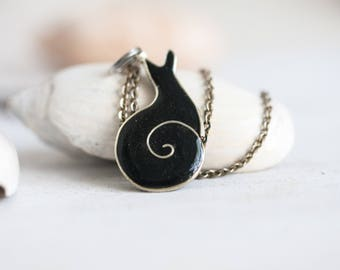 Snail Necklace - Black
