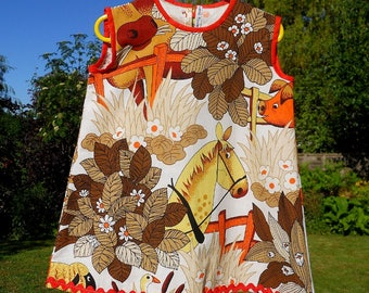 How fabulous ! a  RETRO 70's Vintage Fabric Pony / Horse dress for Child or Toddler