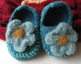 Teal Wool Daisy Crochet Felted Moccasin Baby Bootie, Sizes S M L, Made to Order, Top Stitched Aqua , Babies First Loafers,Toddler Moccasins