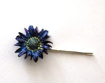 FIRE POLISHED resin daisy hairclip