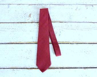 Vintage Oscar de la Renta dark red/maroon signature necktie/burgundy wine tie