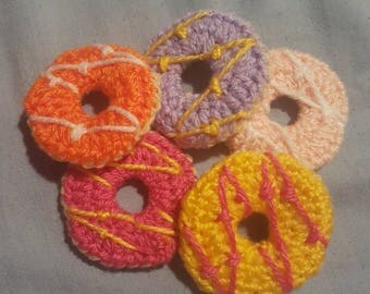 Set of 5 party rings biscuits crochet yummy biscuit cookie handmade pretend play vegan food kitsch broach