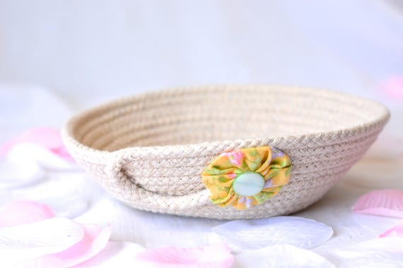Minimalist Rope Bowl, Handmade Candy Dish Basket, Modern Clothesline Basket, Cute Desk Accessory Basket, hand coiled basket