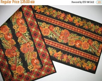 Sale Christmas in July Autumn Table Runner, Thanksgiving, reversible, handmade, quilted, fall leaves, pumpkins, chrysanthemums, Timeless Tre