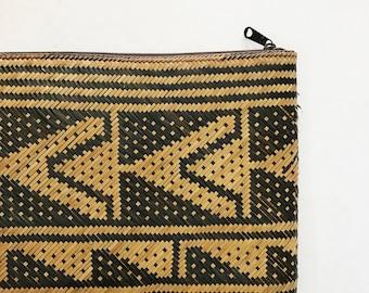 boho hand woven beige and black rattan handbag | clutch