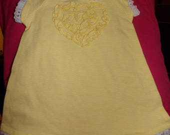 Size 6 to 9 months yellow & white striped dress and matching panty with lace trim - k01a