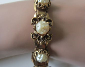 Crinkle Pearl BRACELET Ornate Links Gold Tone  7 Inches Long  Vintage 1950 Era