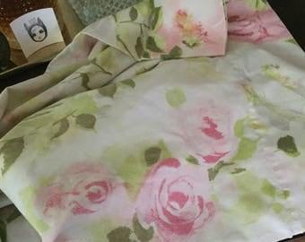 Make me an Offer! Vintage floral pillow case set