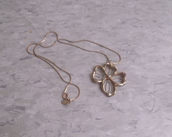vintage necklace goldtone silvertone dogwood flower avon