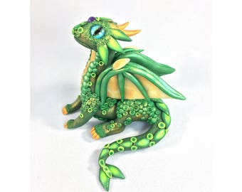 Baby Dragon Sculpture glow in the dark