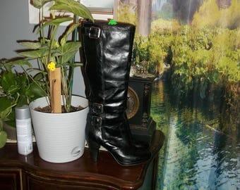 Gorgeous Vintage Italian Black Leather Knee High Boots 38