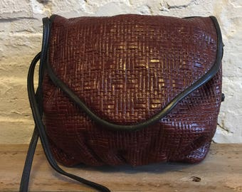 Vintage Leather Woven Like Weave Pouch Purse / Burgundy and Black Long Strap / Possibly Cross Body Bag / Suede Interior / Reddish Borwn