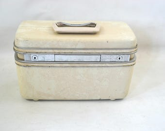 Vintage White and Beige Marbled Hard Shell Train Case by Samsonite Silhouette