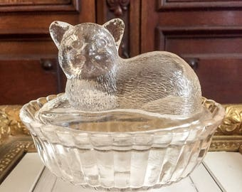 Vintage Glass Box with Cat on the Lid and Ribbed Bottom