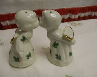 Vintage, Kissing Angels, Salt & Pepper Shakers, Porcelain Angels,  Christmas Tabletop, Holiday Angels, Salt and Peppers, Shakers