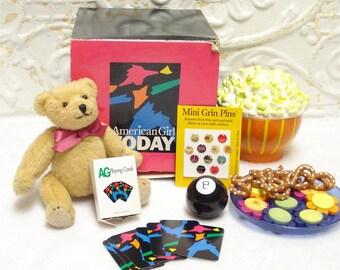 Vintage American Girl NIGHTTIME TREATS Slumber Party COMPLETE Magic 8 Popcorn Bear
