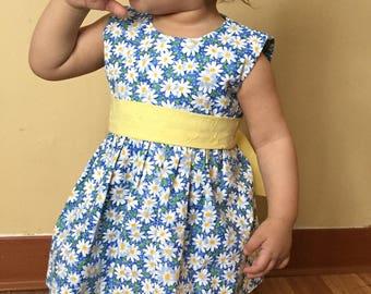 Handmade baby girl dress, daisy flower dress, summer baby dress, spring baby dress, sleeveless dress, matching baby doll dress, All sizes.