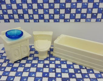 Wolverine Bathroom Fixtures White  Doll House Toy  Soft Plastic  Half inch scale