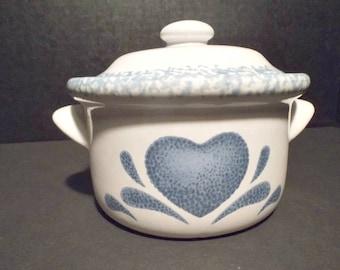 Single Ceramic/Pottery Lidded Soup or Casserole Dish