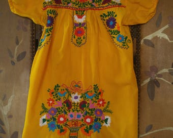 80s Yellow Mexican embroidered flowered blouse / girls dress
