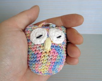 Crochet keychain owl, crochet owl, cute owl, colourful, keychain, keyring, handmade, crochet keychain, sleeping owl, owl keychain