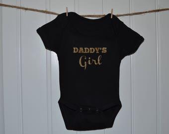 Daddy's Girl Onesie...Newborn Outfit...Baby Girl Onesie...Newborn Onesie...Onesie...Bodysuit...Hospital Outfit...Black Onesie