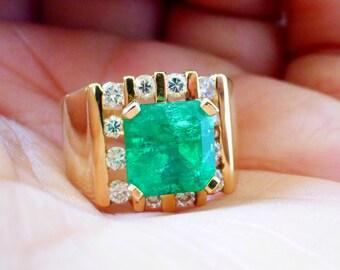 Large 3.6 ctw 14k Custom Estate Gemmy green Colombian Emerald and Diamond retro ring