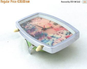 SALE 20% off Vintage alarm clock green / silver / 3D / from China 70s / 80s