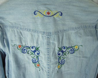 """Beautiful Denim Machine Embroidered """"Miss here + there Cool"""" Shirt by C & A sz 10 - 12 (158/164)"""