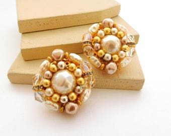 Retro Liz Claiborne White Gold Pearl Rhinestone Cluster Flower Clip Earrings G41