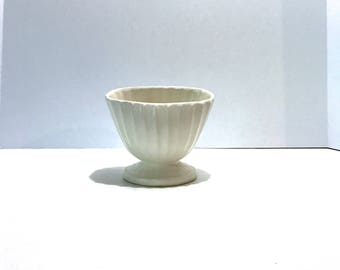 Vintage HULL Simple White Matte Ceramic Pottery Planter Creamy White High Low Pedestal Bowl scallop ribbed detail pedestal