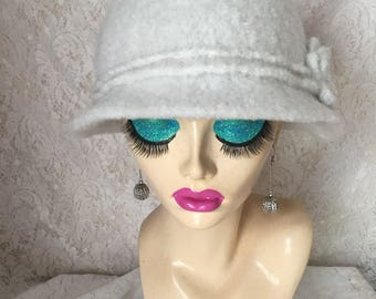 Winter White Vintage Inspired Crocheted Felted Cloche Flapper Hat 'Molly'
